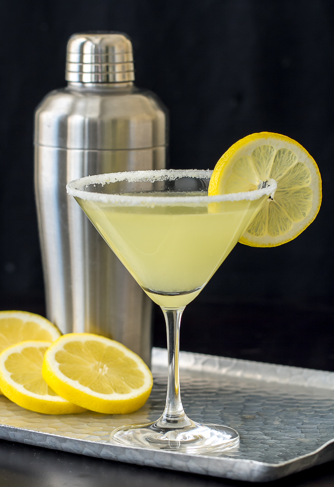 Lemon drop martini i 39 m bored let 39 s go for Cocktail martini
