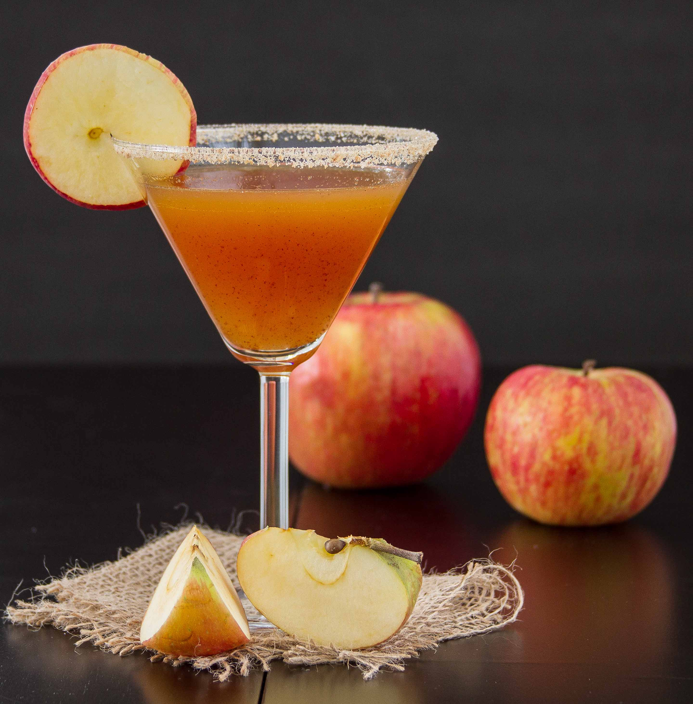 How Do You Make The Drink Apple Pie